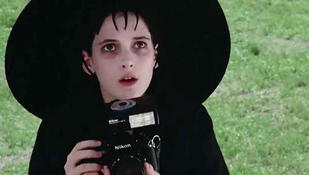 Lydia Deetz - fictional photographer in movies