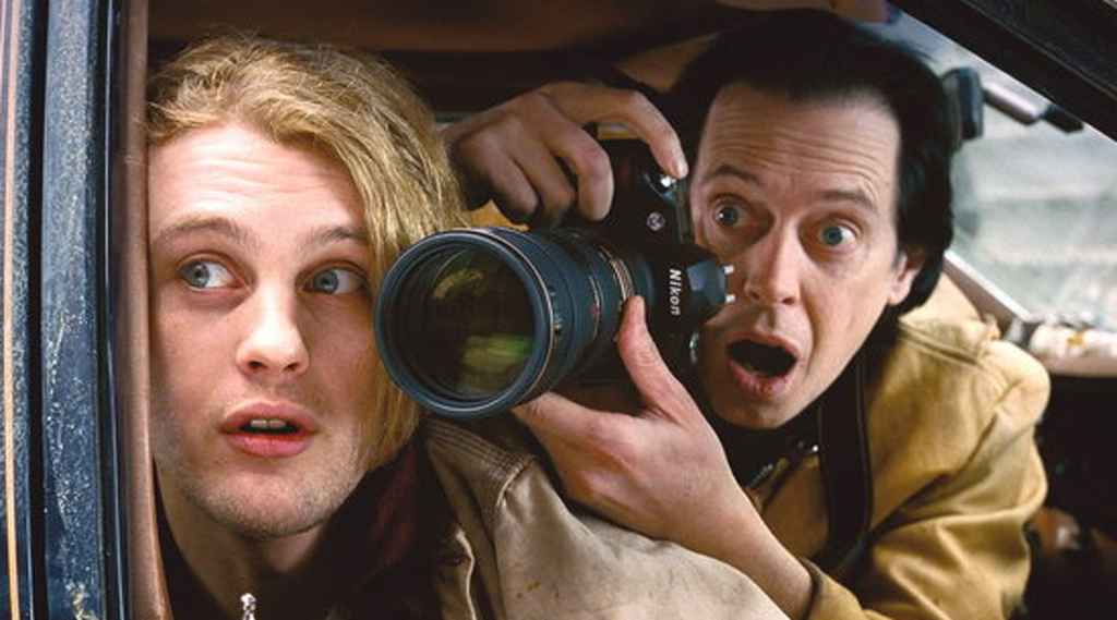 Steve Buscemi as fictional papparazzi in Delirious